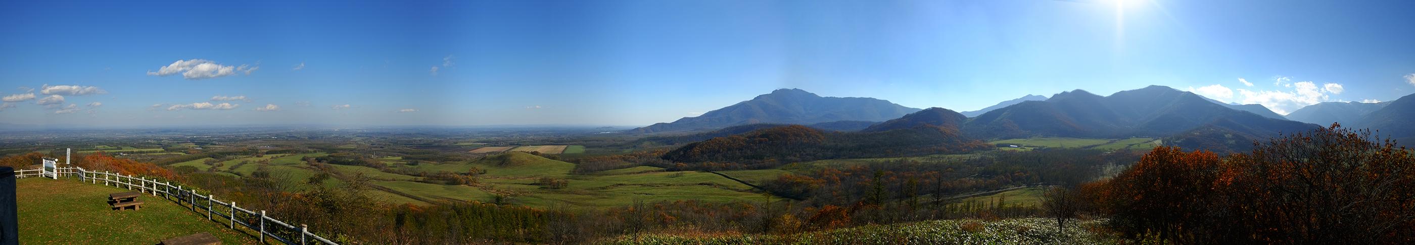 十勝清水町・円山展望台からの日高山脈と十勝平野ビュー
